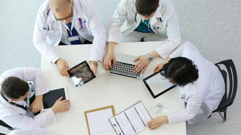 Medizinische Besprechungsrunde